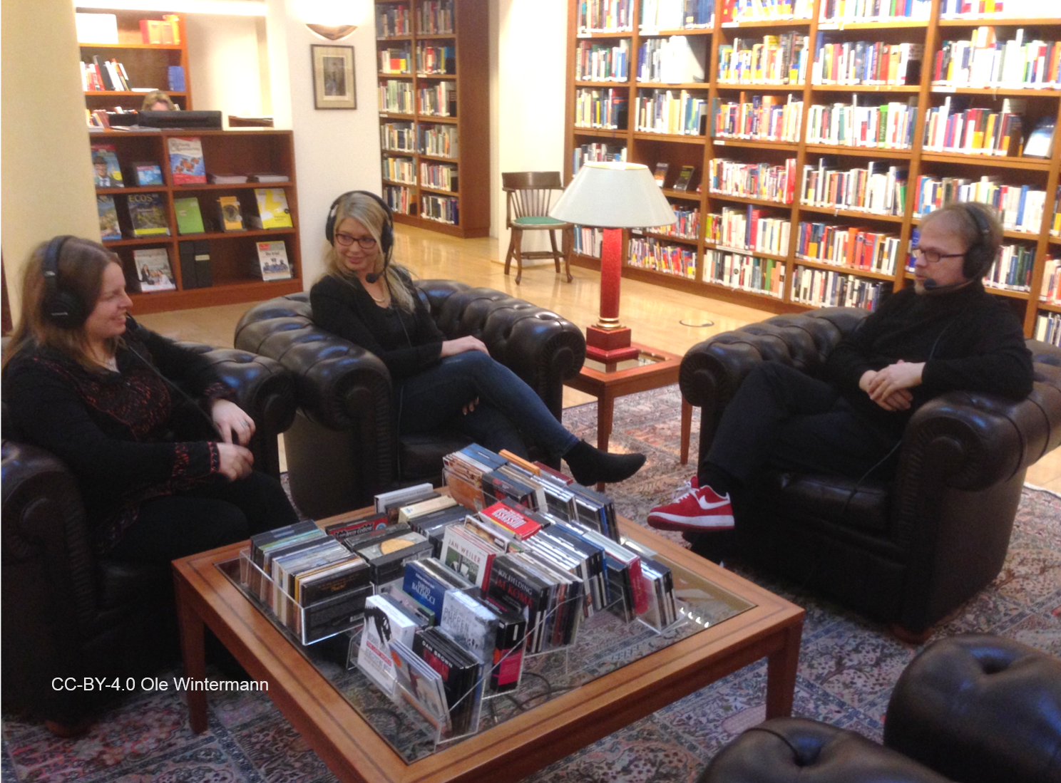 Beim Podcaste: Monika Fischer, Nadine Pollmeier und Jöran Muuß-Merholz