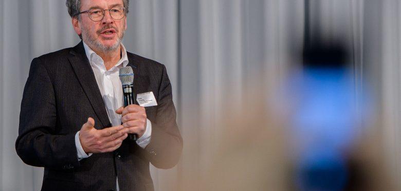 Prof. Dr. Eckart Severing